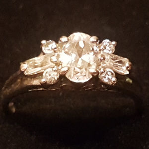 Jewelry - gorgeous size 5 ring
